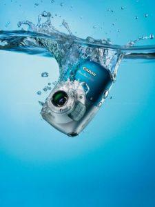 Первая «водостойкая» компактная камера Canon